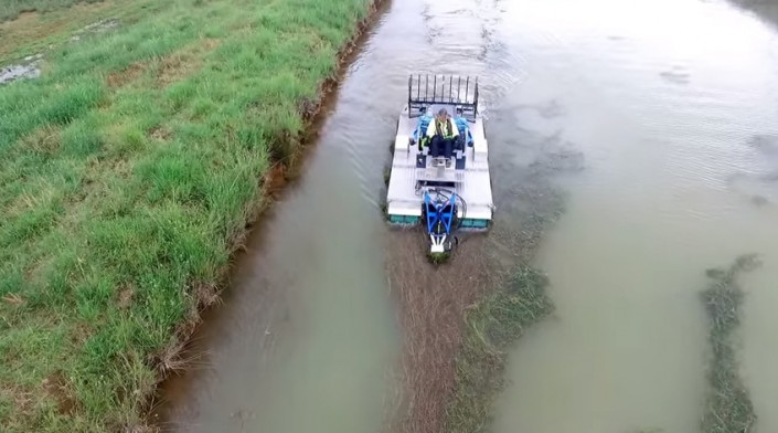 Mobitrac Amphibious Weed Cutting